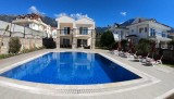 Gold 9, superb location,  3 bed, 3 en suite spacious villa